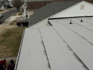 Commercial white granulated rubber roof